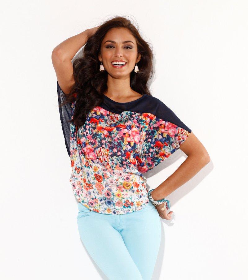 Camiseta mujer corte capa estampada