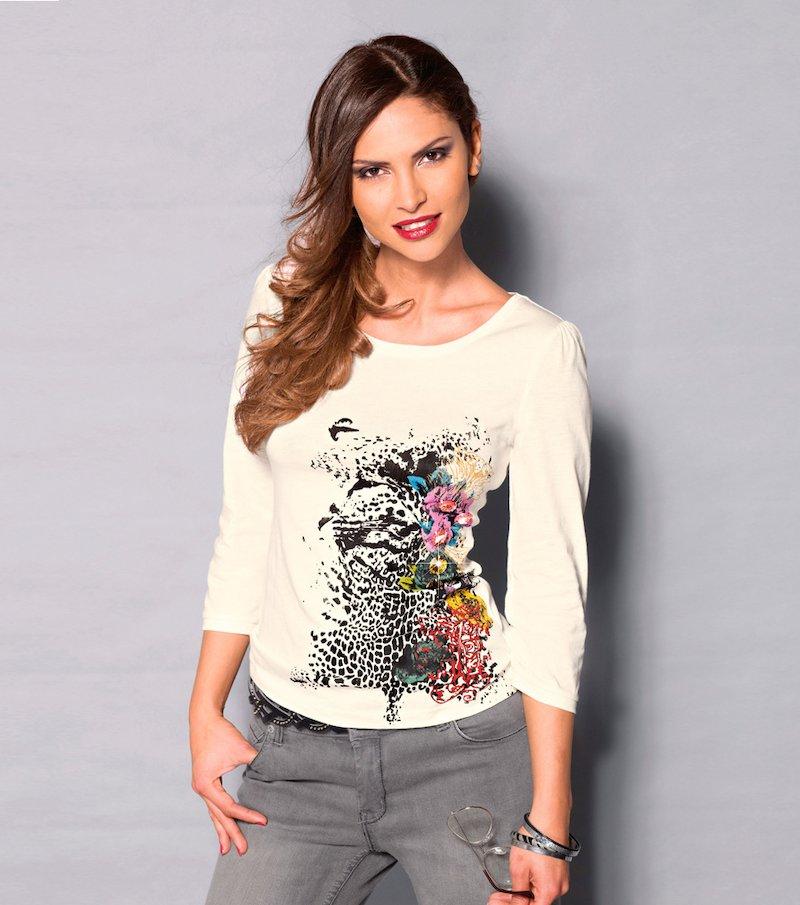 Camiseta mujer manga 3/4 estampada con pedrería