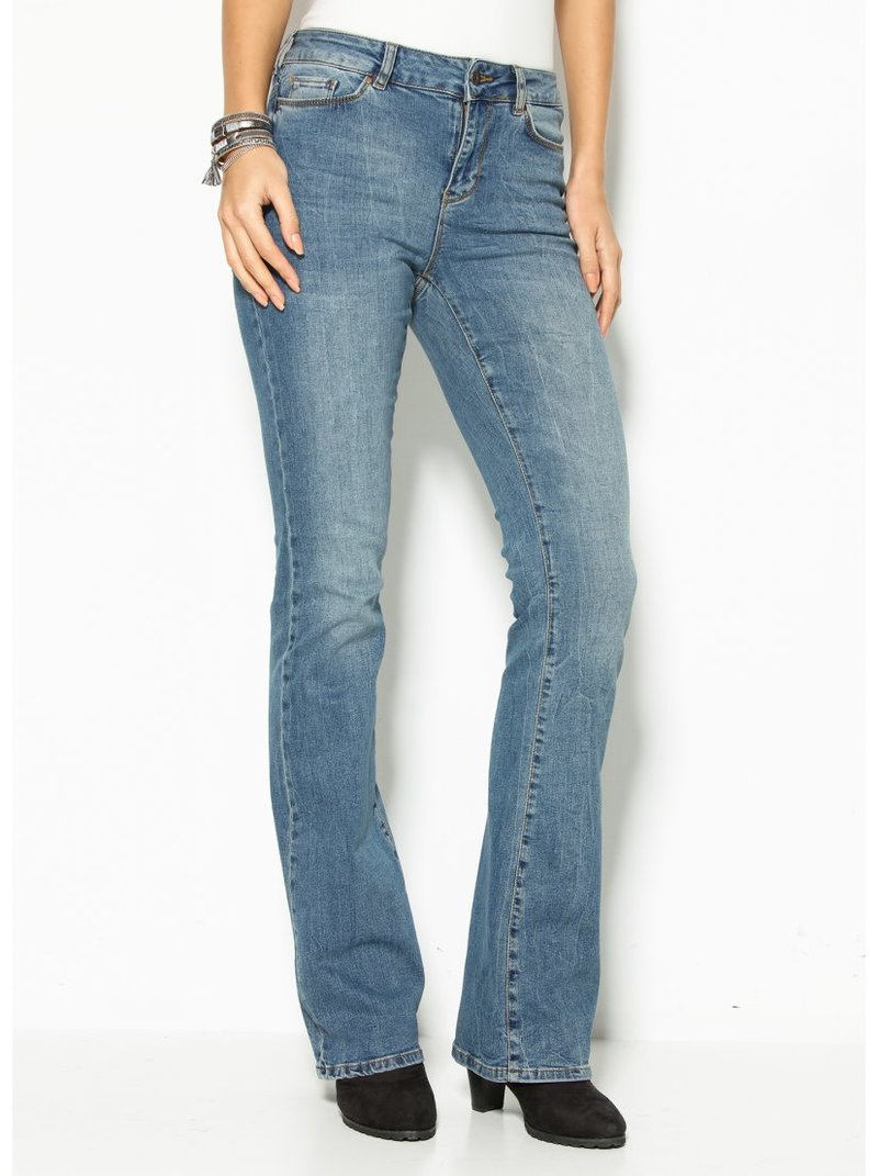 Jeans corte flare US 34 mujer