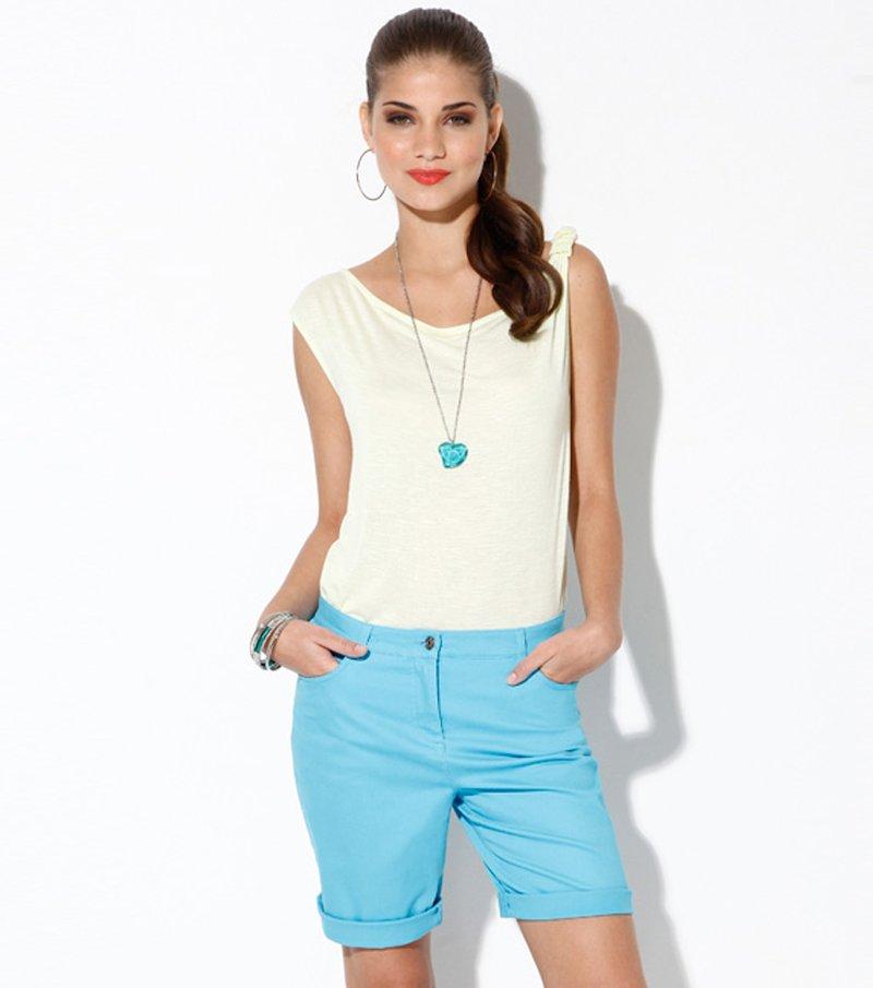 Pantalón bermuda con bolsillos turquesa - Azul