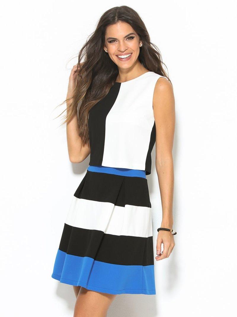 Falda corta de vestir en punto de crepe elástico