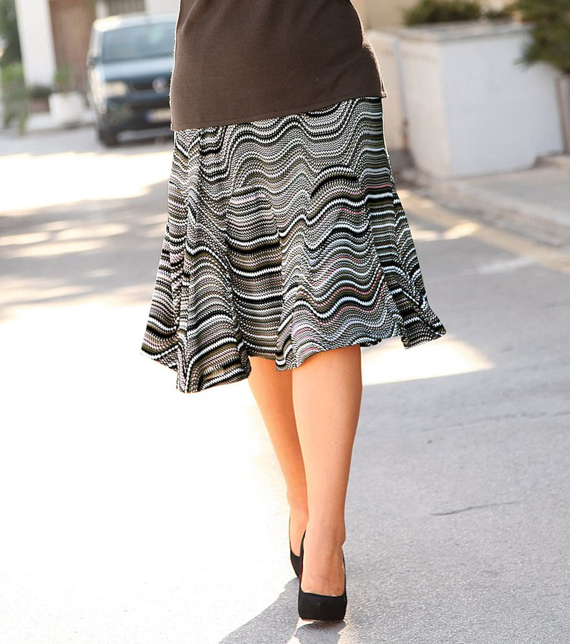 Falda mujer estampada de punto con vuelo - Marrón