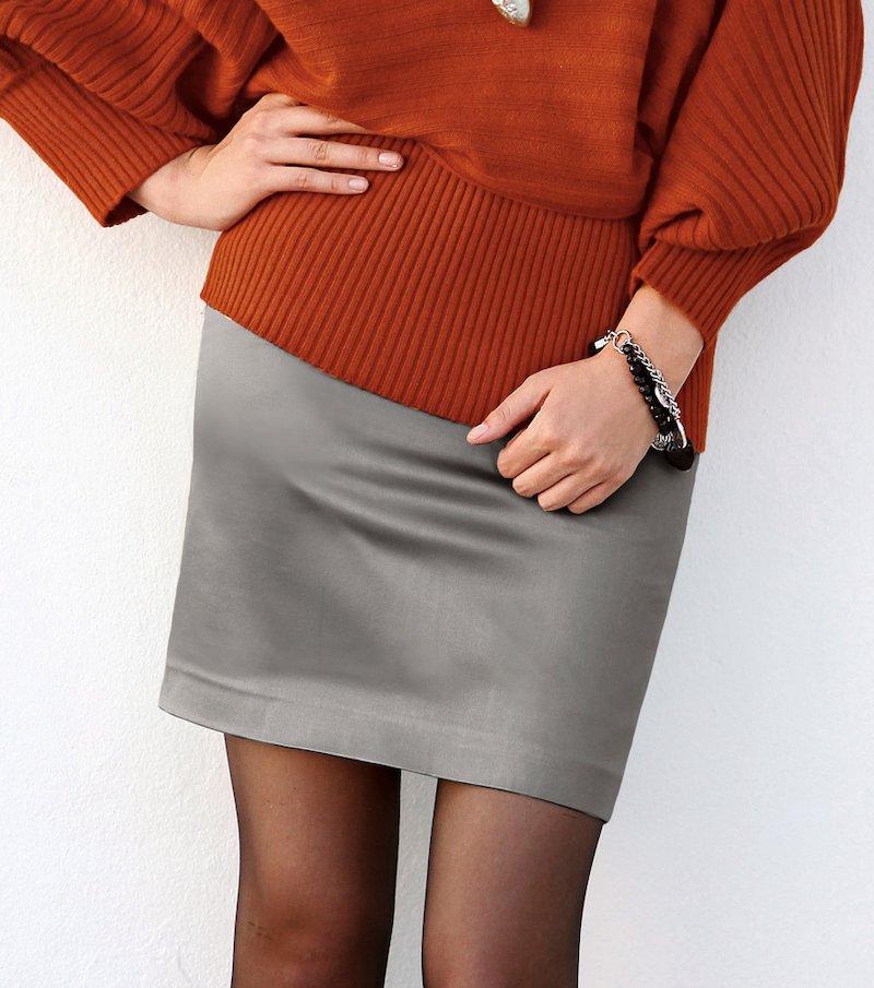 Falda corta mujer elástica