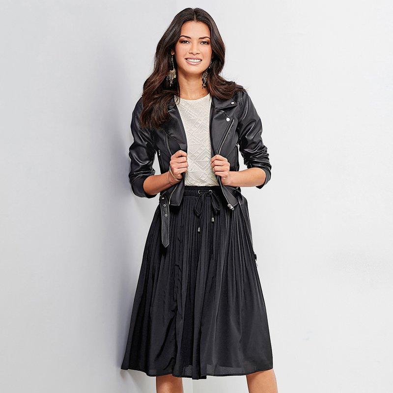 Falda plisada con ojales metálicos cinturilla forrada