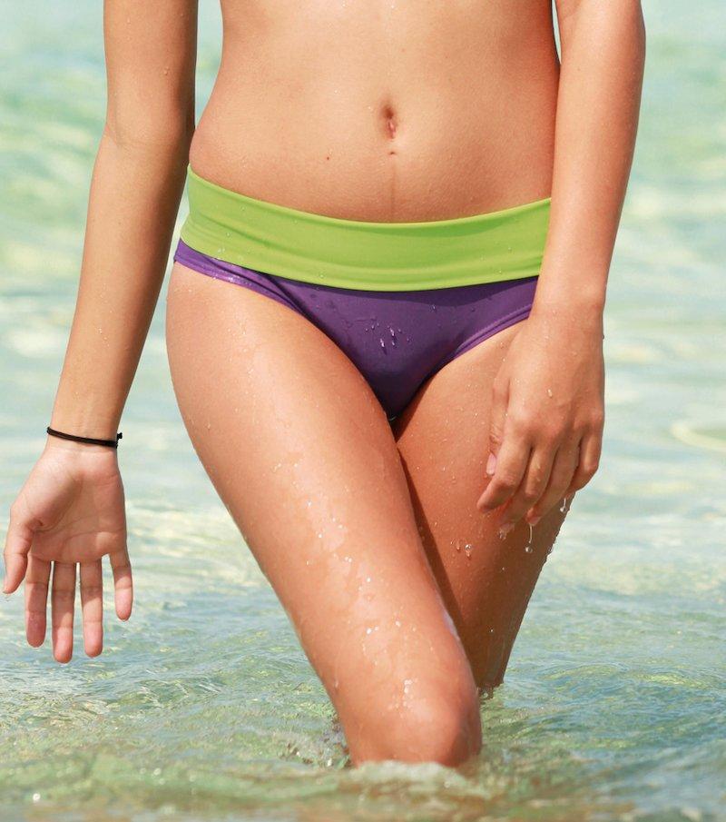 Braga bikini alta elástica con cintura a contraste