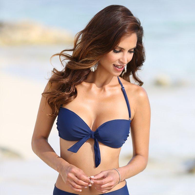 Sujetador de bikini bandeau liso con aros