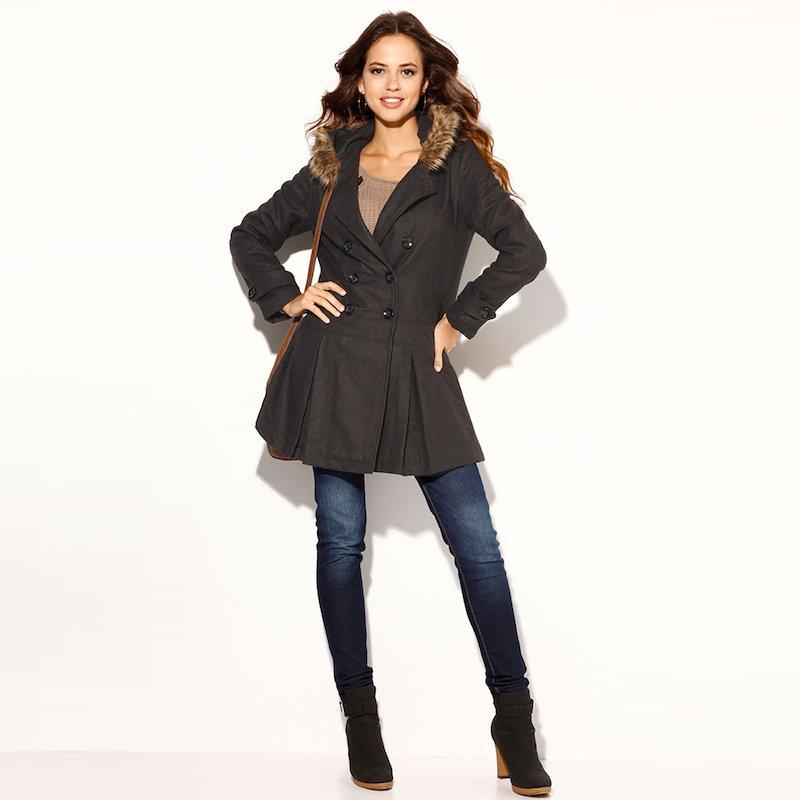 Abrigo mujer manga larga con capucha de pelo