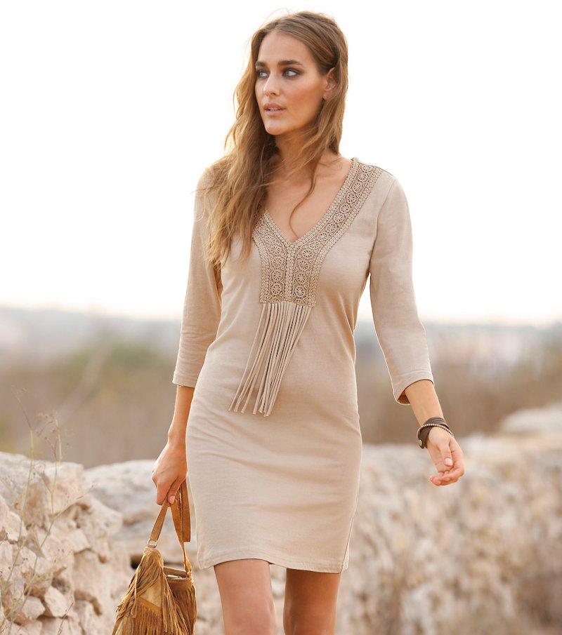 Vestido para mujer con guipur y flecos