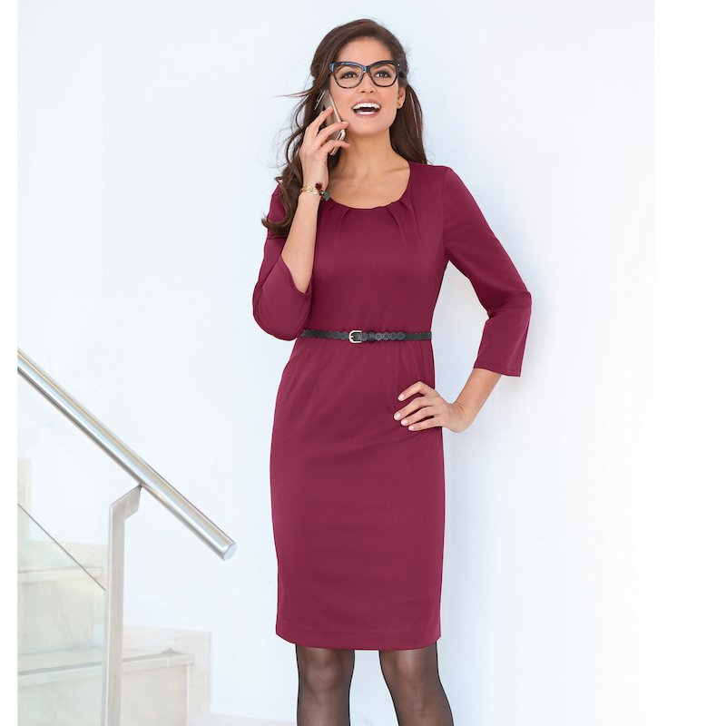 Vestido de manga 3/4 en tejido elástico con pinzas