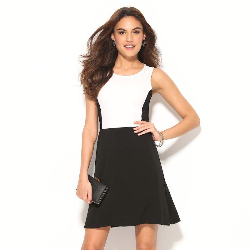 Vestido corto de fiesta evasé en blanco y negro