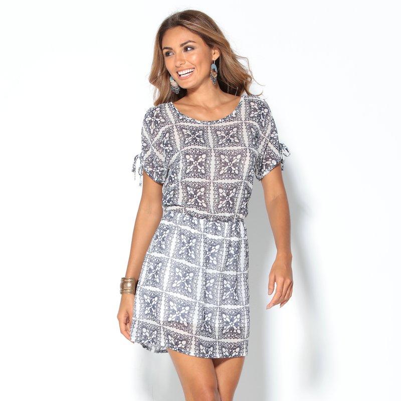 Vestido corto estampado mosaico con manga anudada