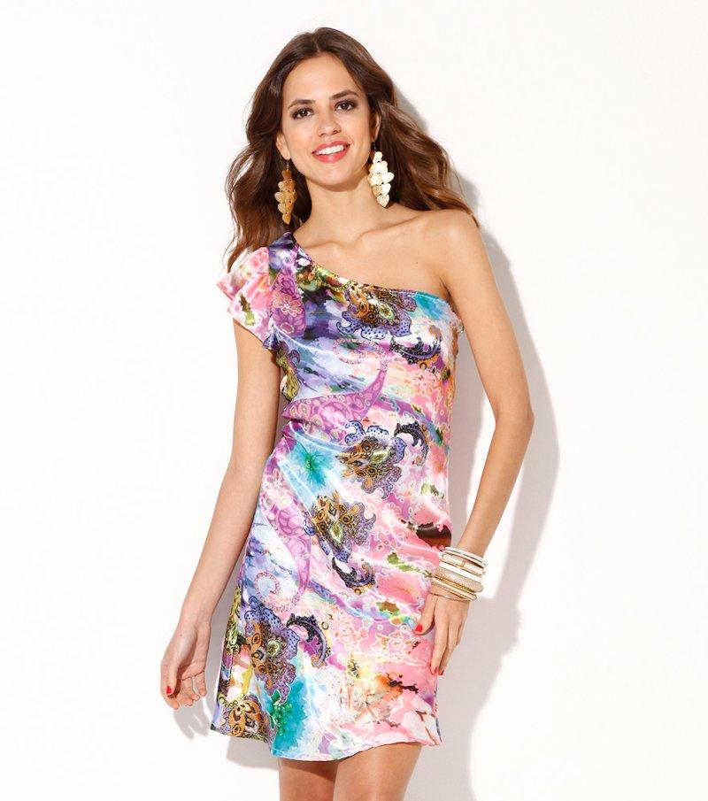 Vestido mujer escote asimétrico estampado satinado