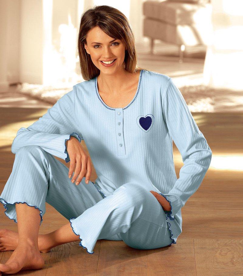 Pijama. Chaqueta con tapeta de botones