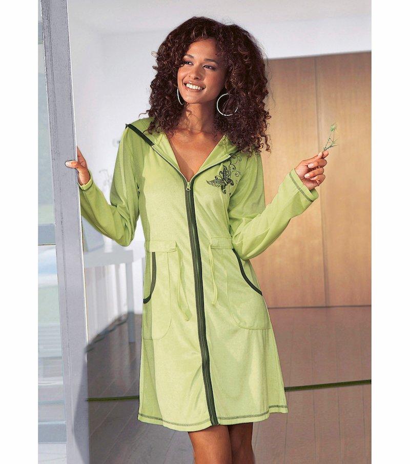 Bata corta mujer manga larga con capucha