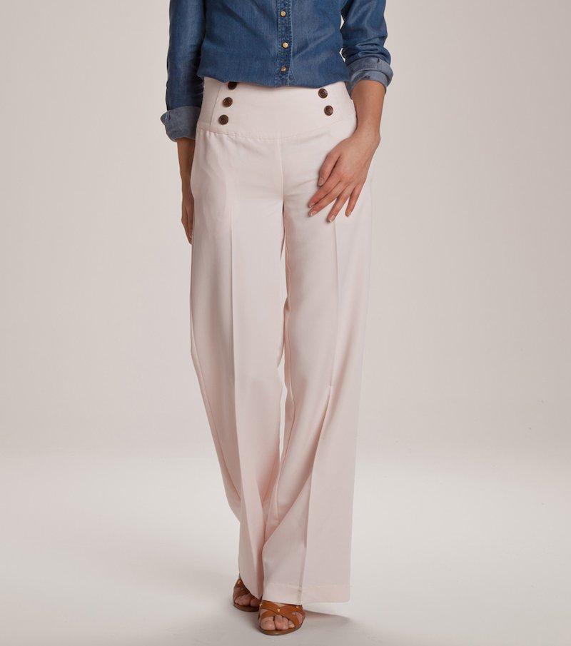 Pantalón de vestir de tiro alto pernera recta y raya plancha