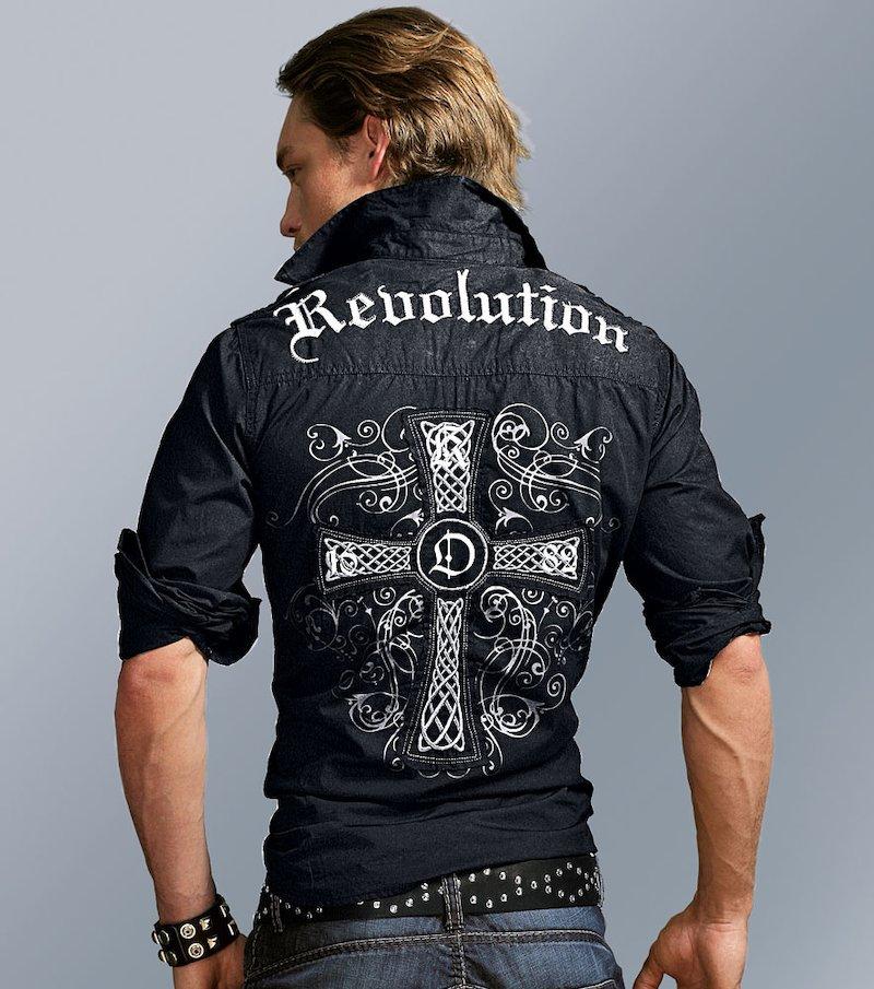 Camisa de hombre con detalle en espalda