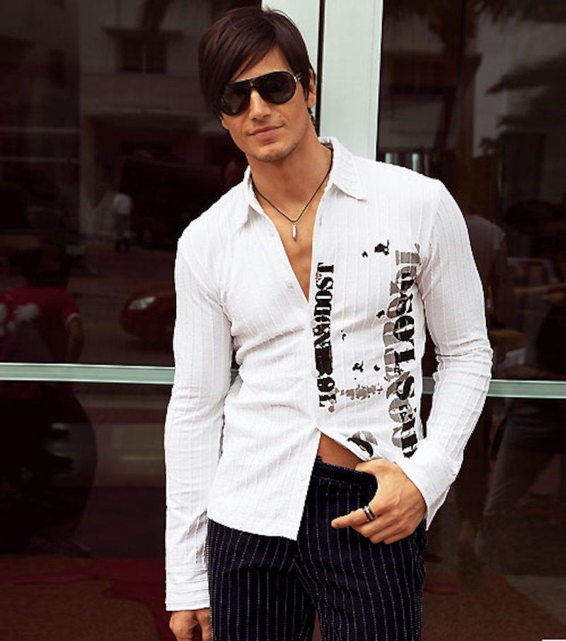 Camisa de hombre estampada en blanco o negro