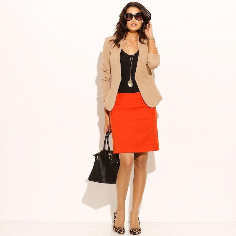 Falda mujer con pinzas tejido elástico