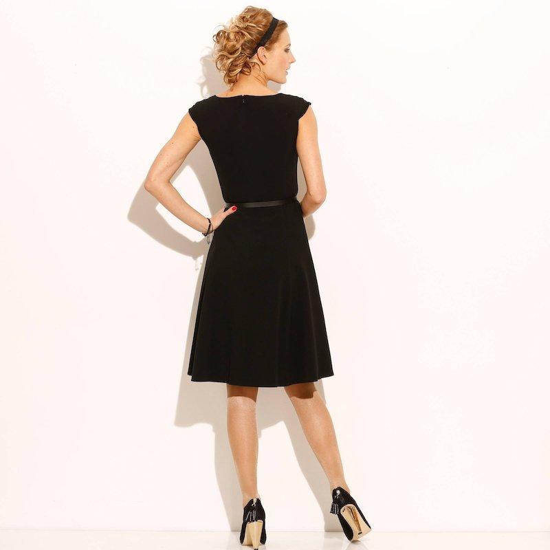 Vestido de mujer con cinturón fantasía