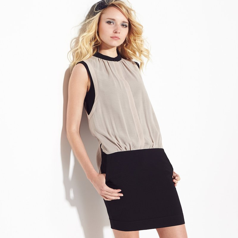 Vestido corto bimateria de mujer