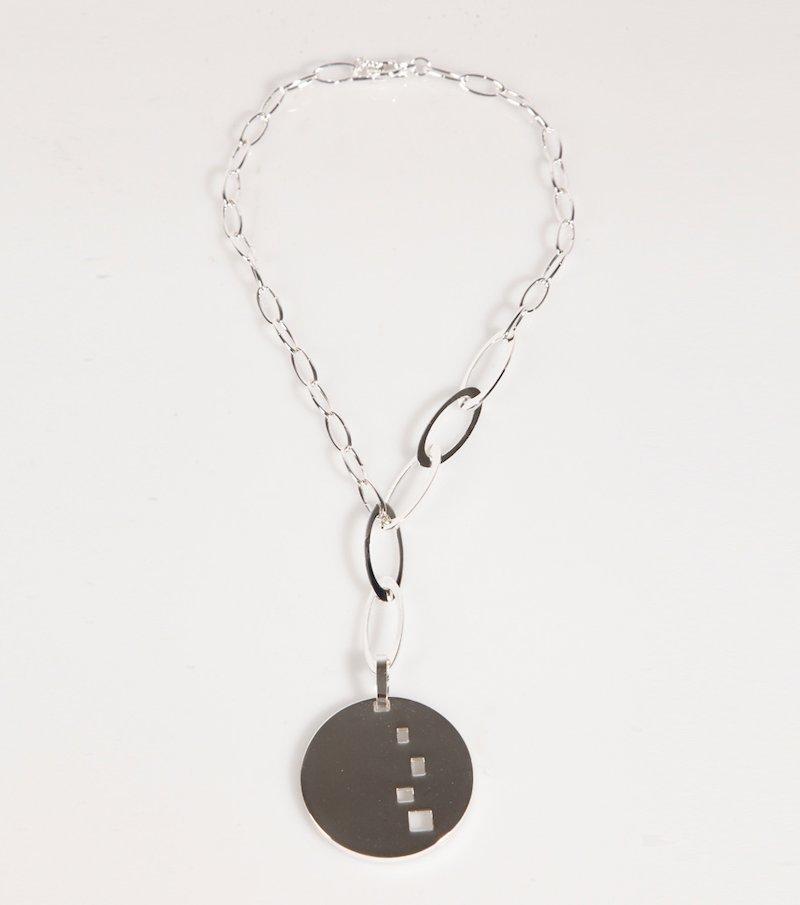 Collar largo mujer metálico con medalla