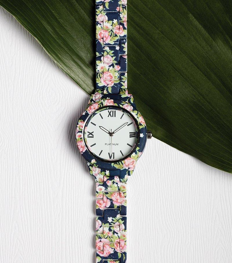 Reloj con correa estampada de flores