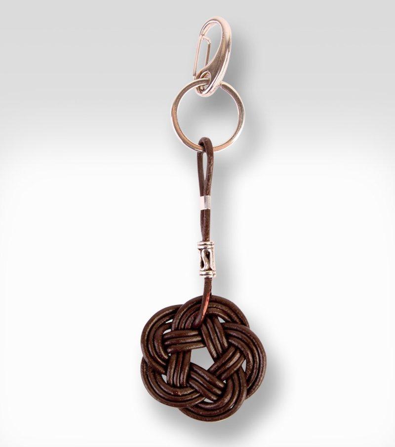 Llavero mujer de cuero con anilla de metal