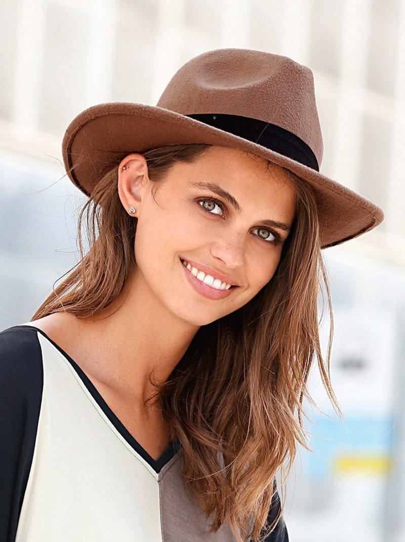 Sombrero panamá de mujer con ala semi rígida camel