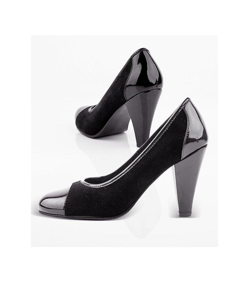 Zapatos. De elegante corte salón