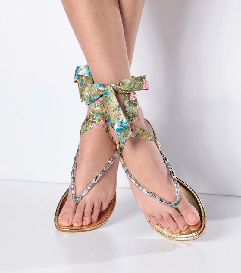 Sandalias planas mujer suela dorada con cintas florales