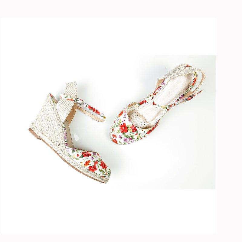 Sandalias de esparto con cuña y flores