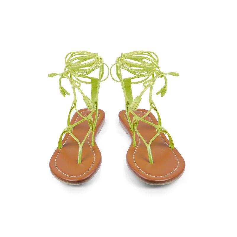 Sandalias planas gladiadoras acabado acharolado