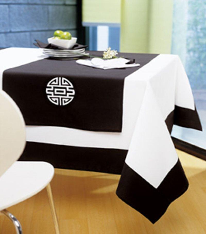 Camino de mesa inspiración oriental