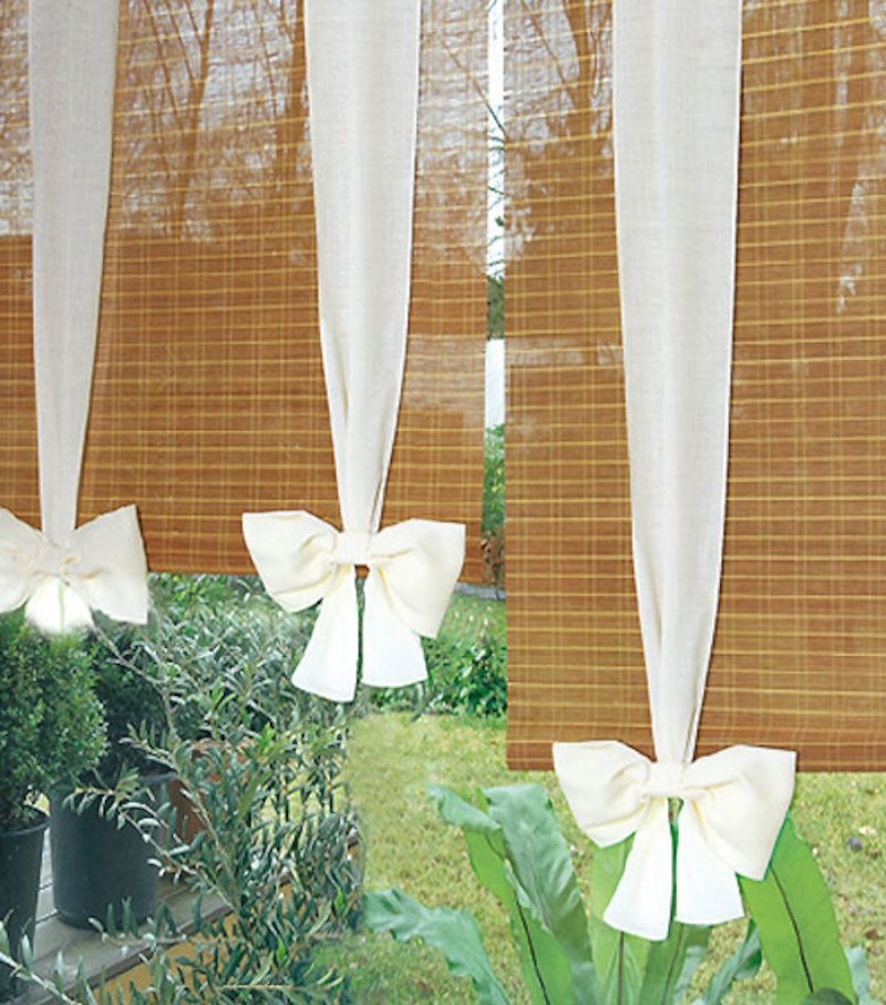Estore bambú con lazos de tela