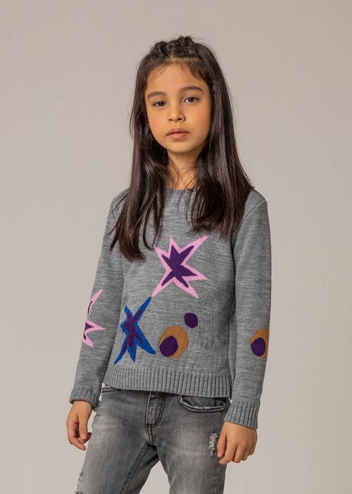 SWEATER WITH CONSTRASTING EMBROIDERY