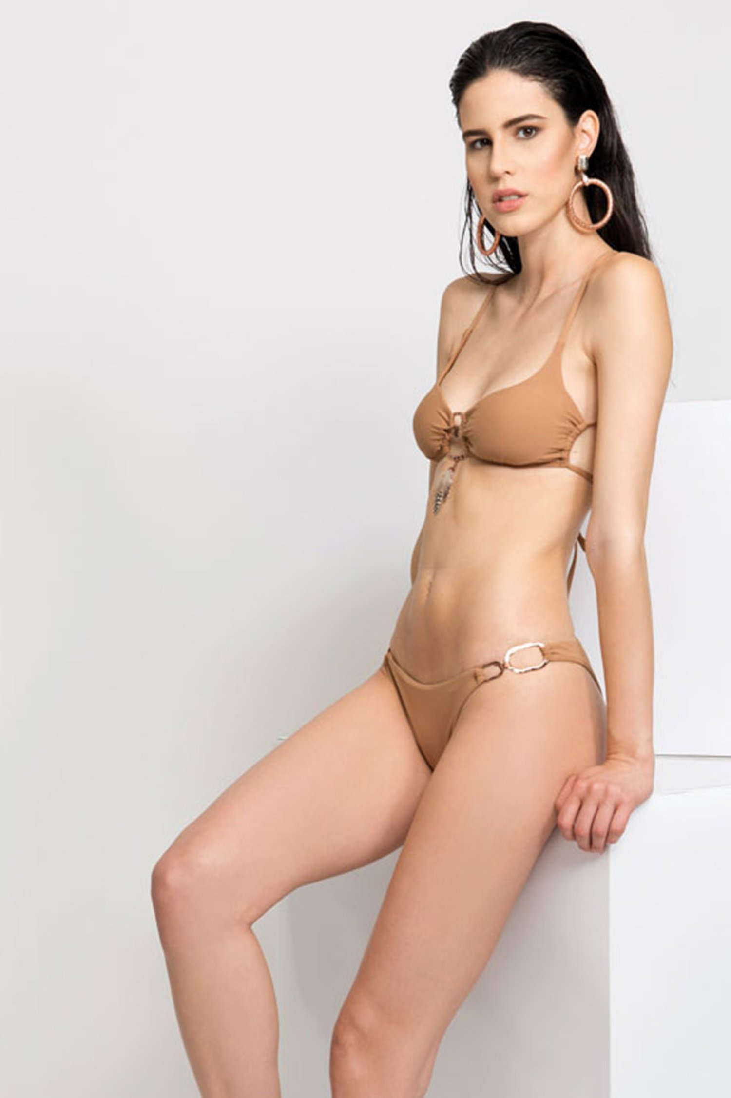 SOLID COLOUR BRALETTE BIKINI WITH FEATHERS AND COSTUME JEWELLERY - Rame