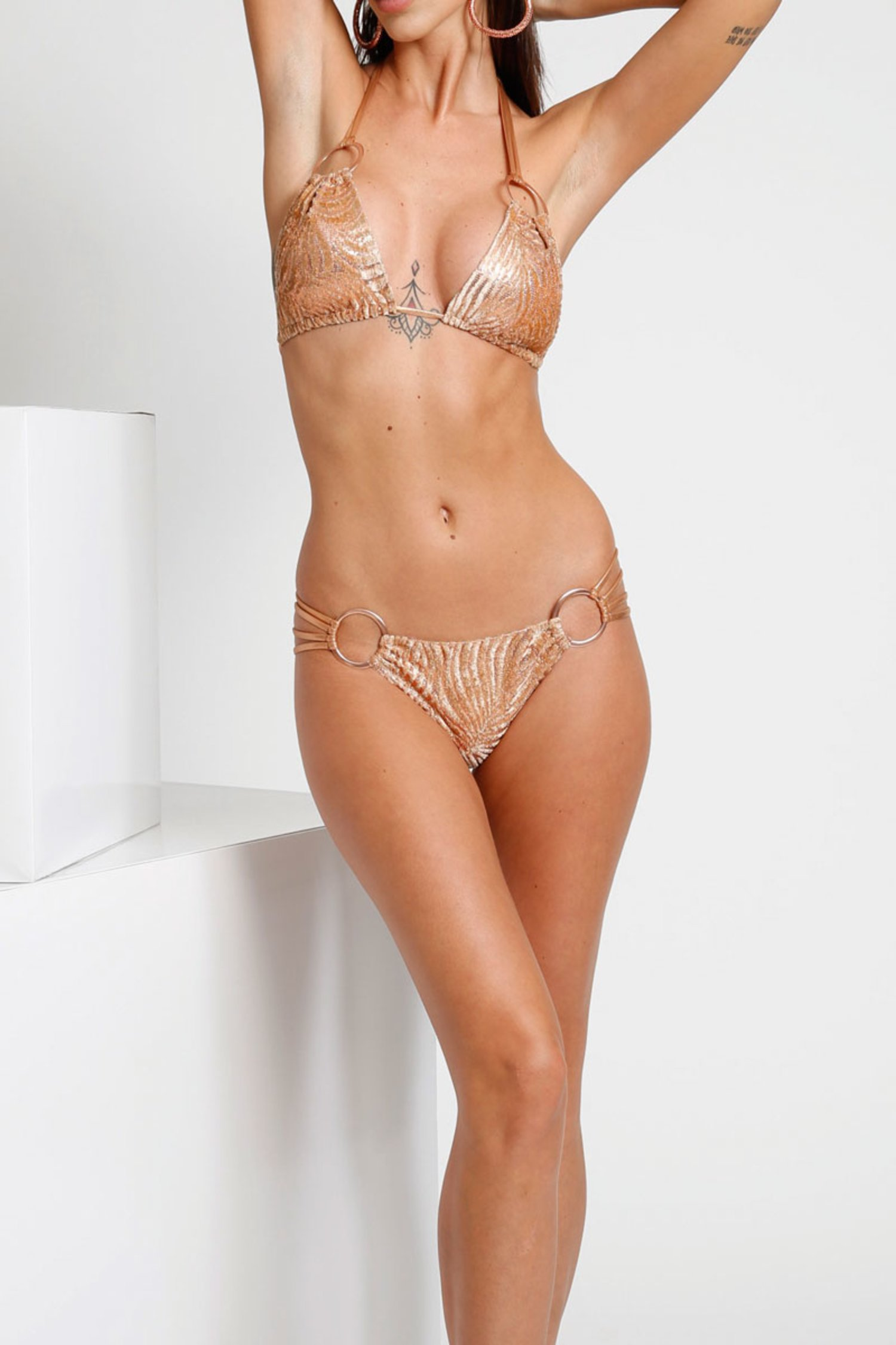 LUXE TRIANGLE BIKINI IN DEVORE' WITH METAL RINGS - Devore' Rame