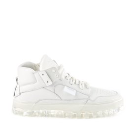 Men's BOLD all-white shoes with crystal-effect sole