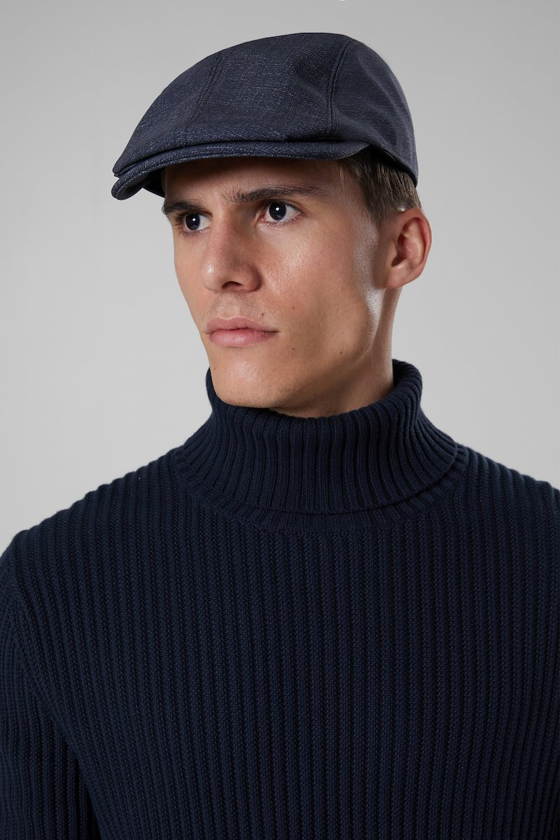 QUEEN CAP COP
