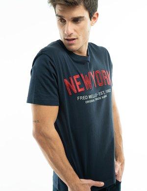T-shirt Fred Mello con scritta