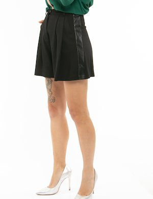 Shorts Pinko con bande in ecopelle