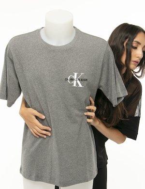 T-shirt Calvin Klein logo a lato