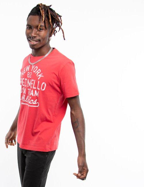 T-shirt Fred Mello con grafica - Red_Purple