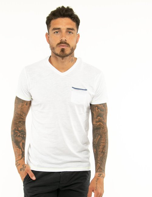 T-shirt Yes Zee con taschino e scollo a V - Bianco