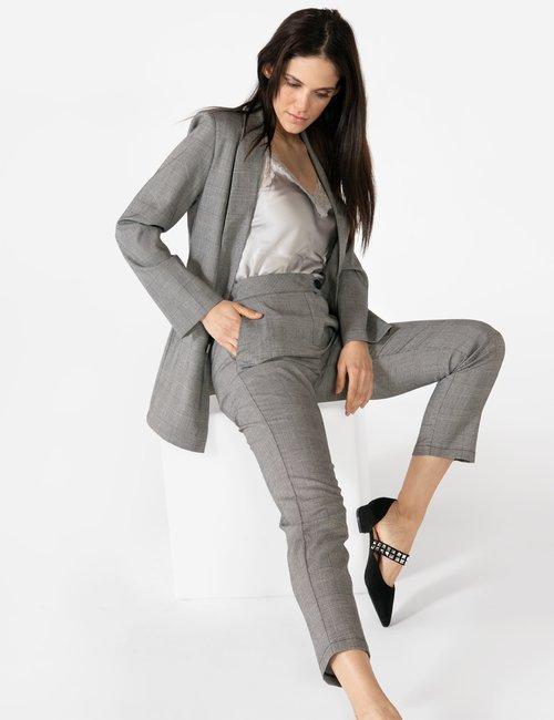 Pantalone Vougue con bottone a contrasto - Grigio