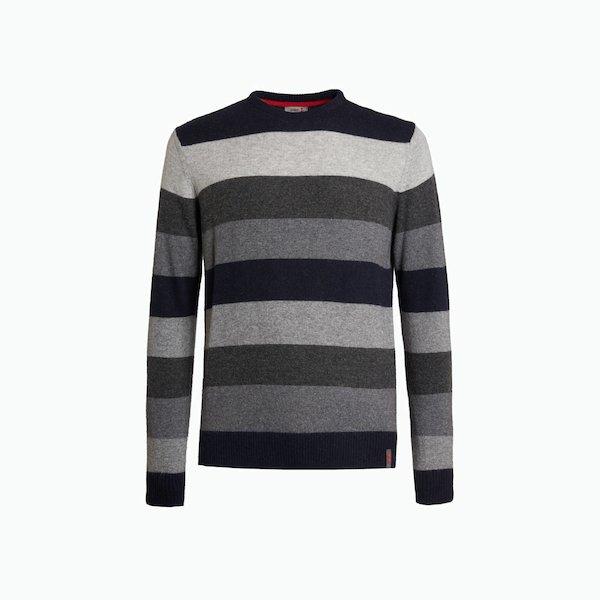 B135 sweater