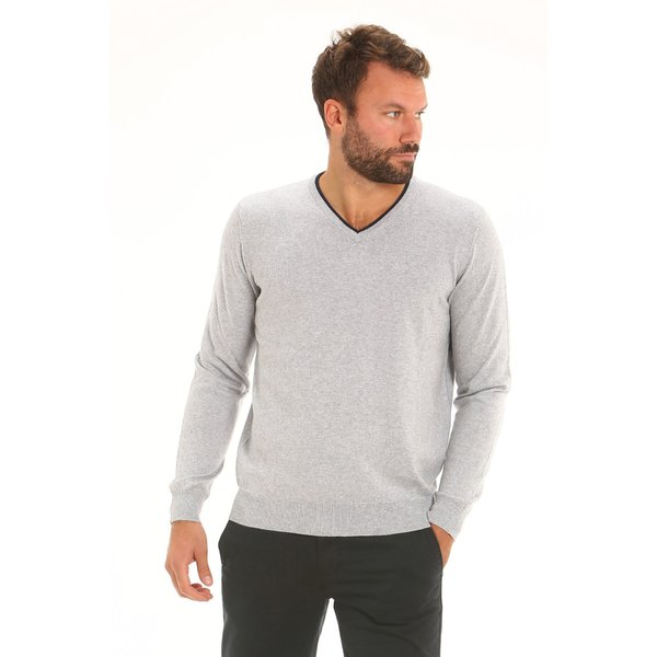 Men jumper F72 with v-nech in a warm cotton