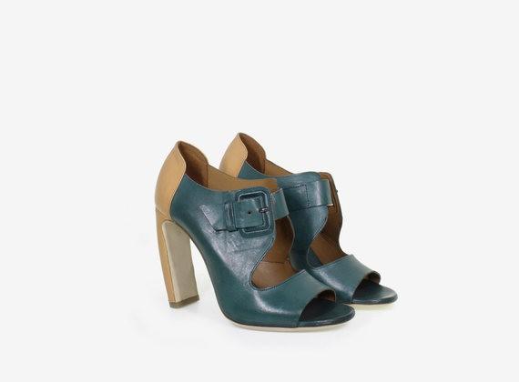 Bicolour leather open shoe