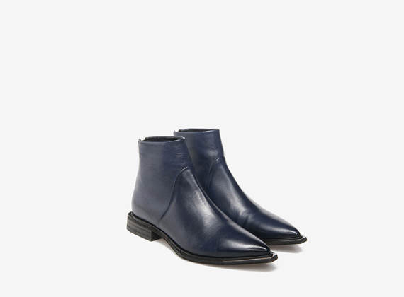 Blue ankle boots with metal zip