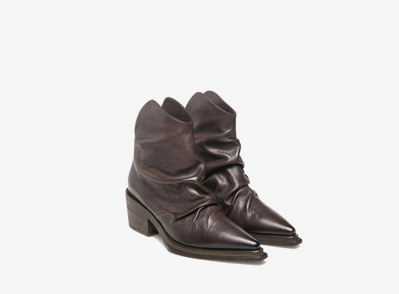 Bottines texanes plissées marron